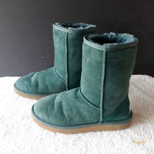 Ugg Classic Mid-Calf Forest Green Boots Size 7 W
